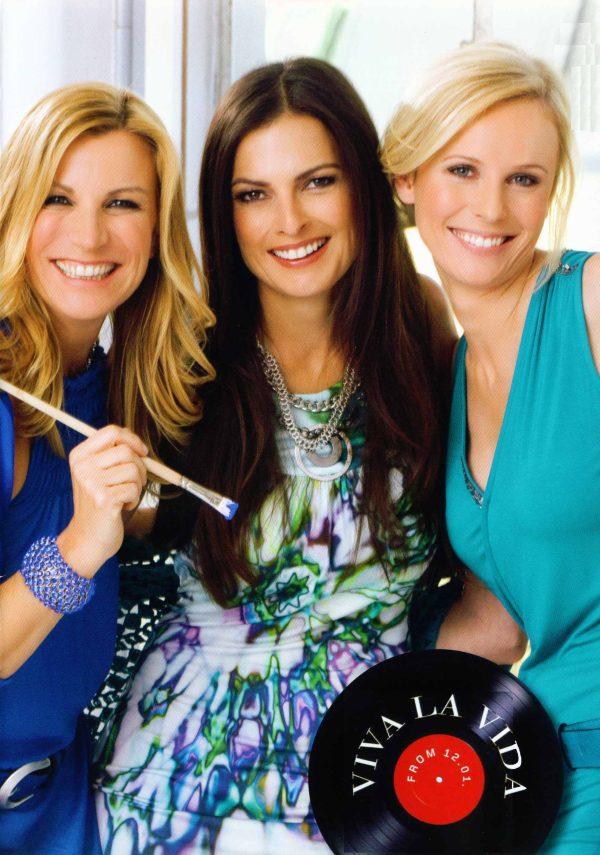 Bild drei Damen Kleid
